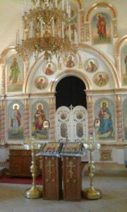 Внутреннее убранство церкви в Бураново.